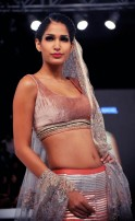 FASHION-INDIA-ARTS-ENTERTAINMENT