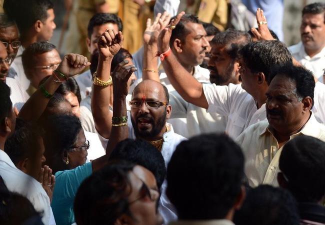 INDIA-POLITICS-PEOPLE-HEALTH-THACKERAY
