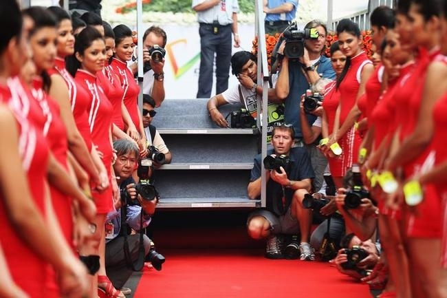 Sizzling Grid Girls