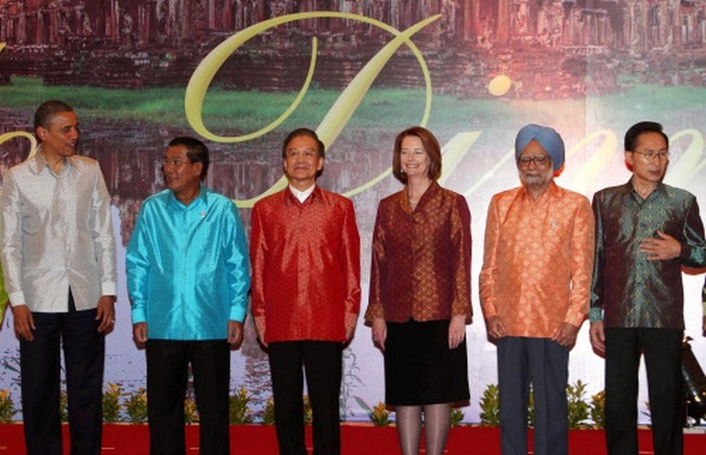 Manmohan Singh Goes Technicolour