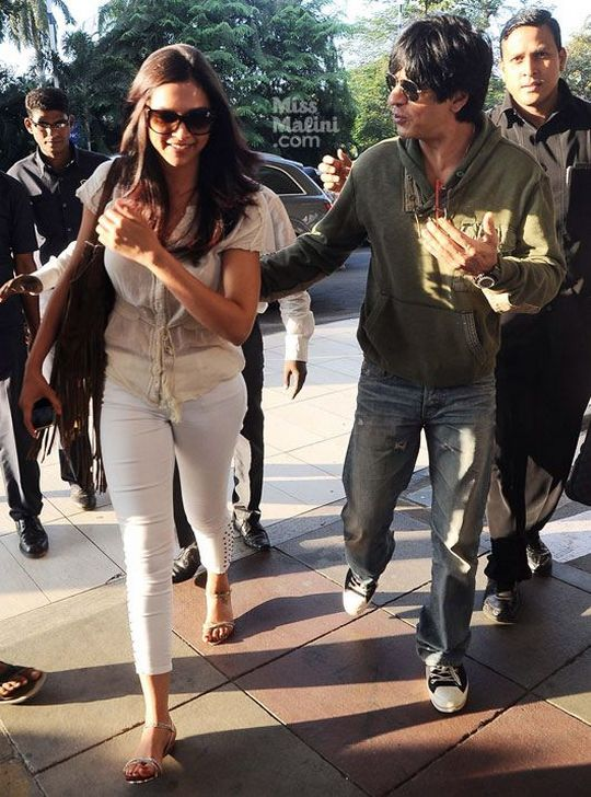 SRK-Deepika spotted at the airportSource: SpicePR/MissMalini