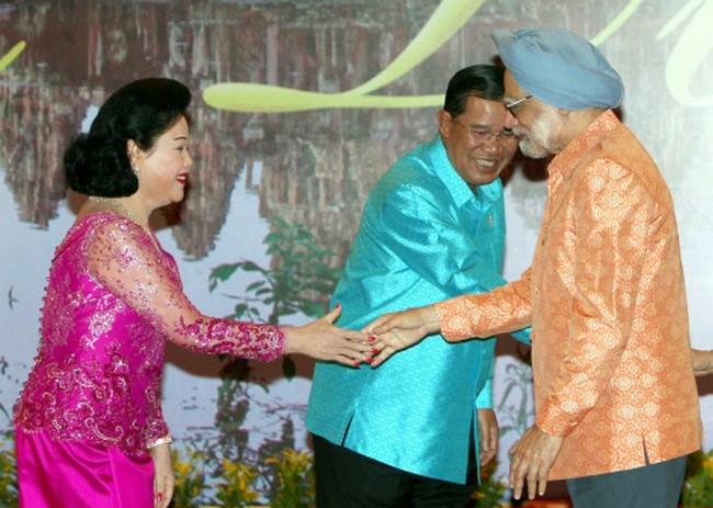 Manmohan Singh Goes Technicolour