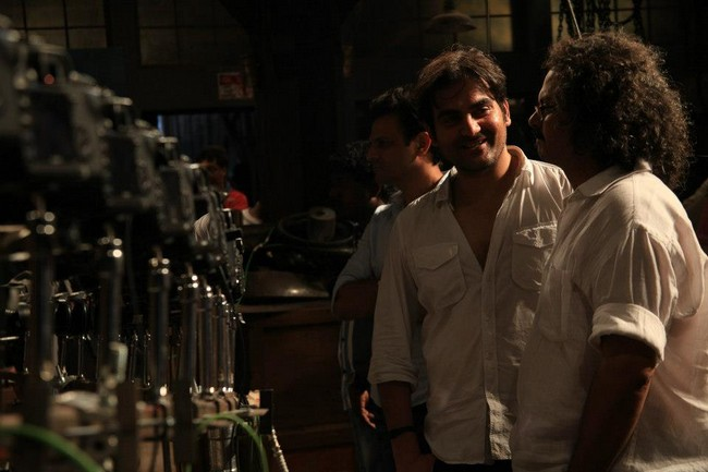 Go behind the scenes and check out Arbaaz Khan directing the climax of Dabangg 2