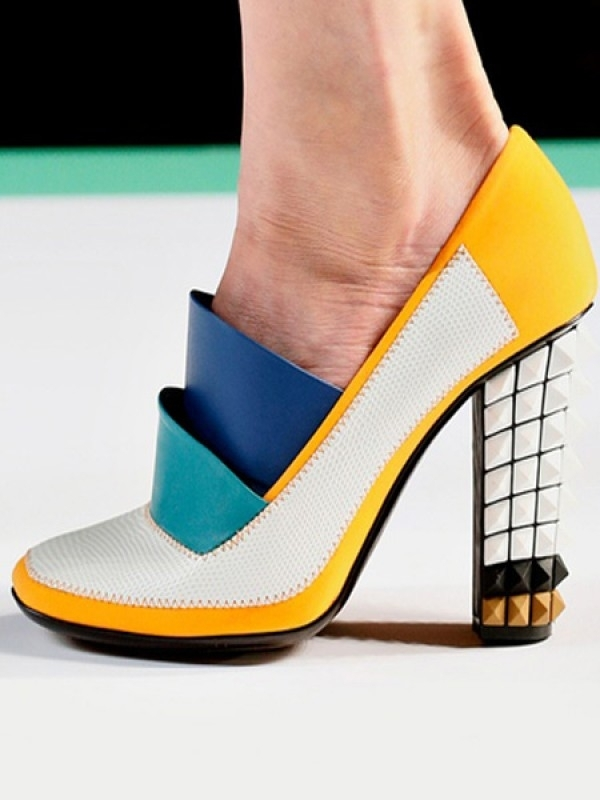 Funky Fendi colour-blocked pumpsImage via Mimi Tanaka (Pinterest)