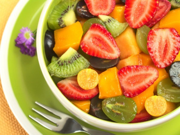 Fruit salad: This nutritious dish is great when served as an appetizer or as a dessert. Choose from the range of fruits of your choice. To keep the calorie level in control avoid using syrup; instead, mix it up using the natural juices from the fruits. 