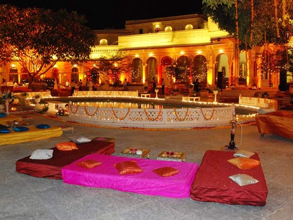 Every girl wishes for a fairytale wedding, and lucky for us, there are several beautiful Indian palaces to choose from. Of course, most of them are located in Rajasthan, but that hasn't stopped us from listing the best palaces in India that you can get married at.