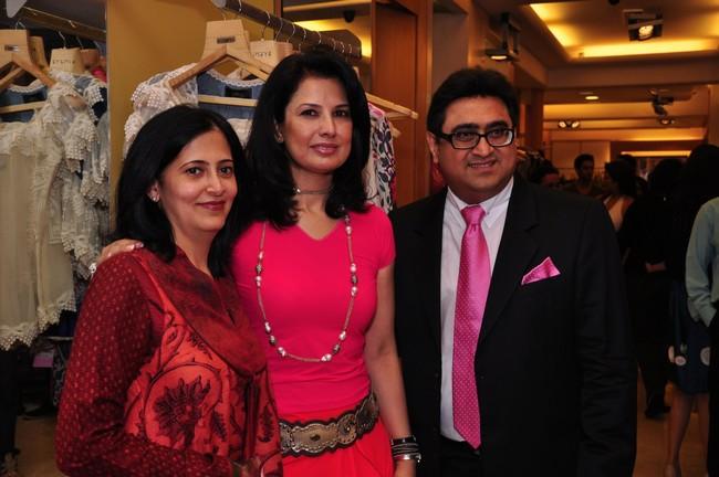 Designer Ritu Beri showcased her festive collection at a boutique in MumbaiCourtesy: KimayaRitu Beri with Neha and Pradeep Hirani