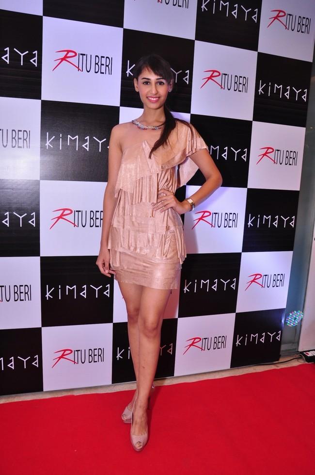 Pantaloons Femina Miss India Earth 2011 Hasleen Kaur