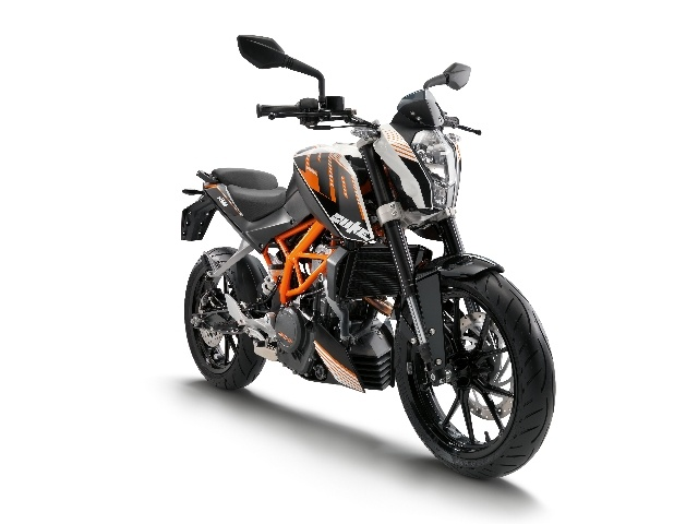 The KTM 390 Duke made its first appearance for public viewing at EICMA in Milan.