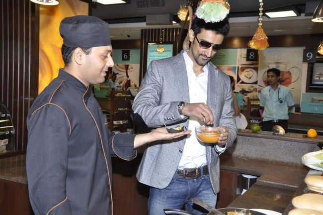 Kunal Kapoor met fans as part of the promotions of his recent release Luv Shuv T Chicken Khuranna