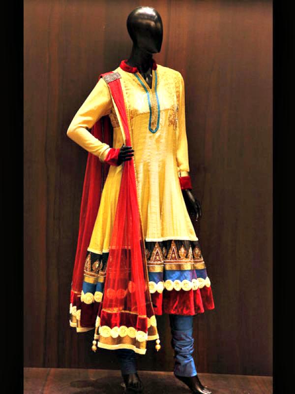 Noor-Jahan outfit