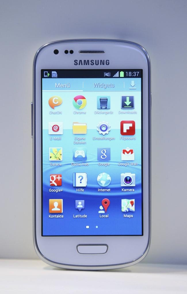 Samsung unveils the Galaxy S III mini