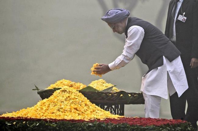 Paying Homage to Indira Gandhi