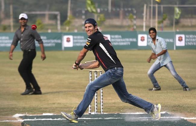 Mark Webber Plays Cricket