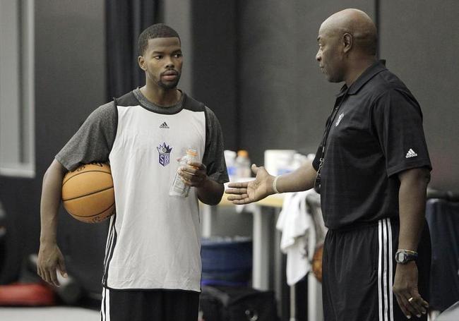 NBA Teams Pose & Practice
