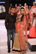 Malaika Arora walks for Vikram Phadnis