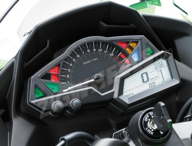 2013 Kawasaki Ninja 300 - Finally a digital analogue dash combo.