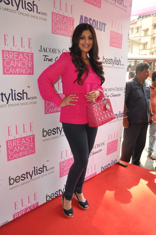 Shilpa Shetty Kundra and host of other stylish BTown celebs turned up at a brunch organised to raise awareness about breast cancerCourtsey: beStylish, Elle