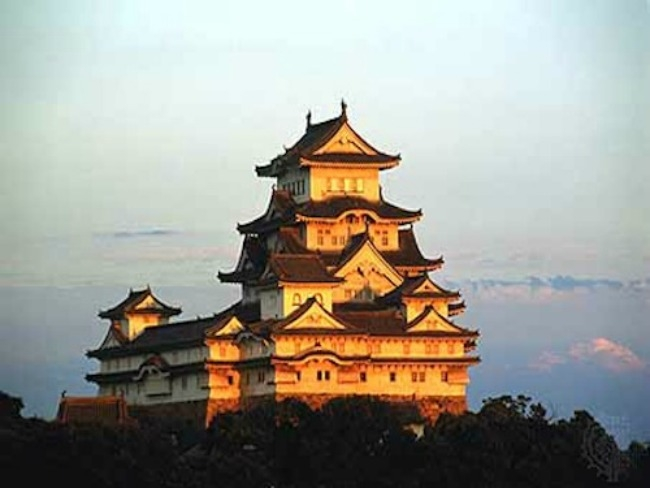 Himeji Castle, JapanThis is one of Japan's most visited destinations and was also featured in the Sean Connery-starrer You Only Live Twice. It dates all the way back to 1333 but was remodelled in the late 16th century. What makes it so deliciously 'visitable' however is its rich history. This sprawling castle surrounded by three moats actually survived a heavy bombing during WW II. It's an incredible representation of feudal Japanese architecture with advanced defensive systems, all located atop of a beautiful, serene hill. There are few places more interesting than this one on our list, that's for sure.
