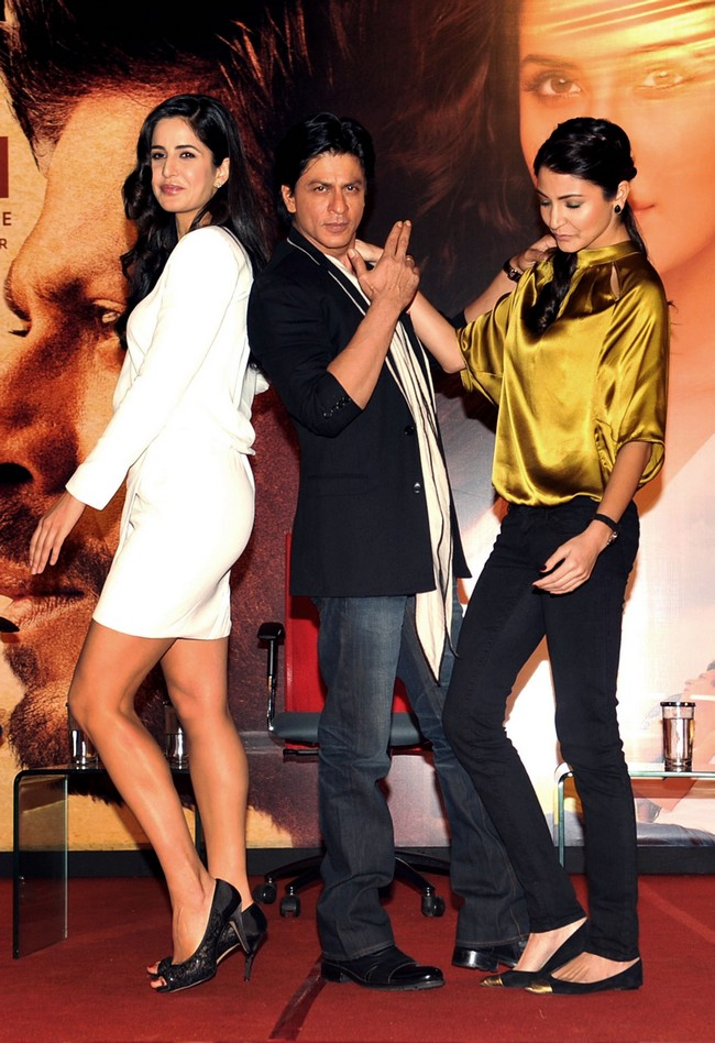 The trio also did a James Bond pose on stage, which SRK said was his dream role; simply to romance the sexy Bond girls. Khan said he would try to continue the legacy of romance left behind by Dev Anand, Shammi Kapoor, Rajesh Khanna and Yash Chopra. According to the team, Yash Chopra saw the final edit of Jab Tak Hai Jaan few days before his death. And all that is left now is some of the sound mixing in the backgroundWith Inputs: Anand Vaishnav