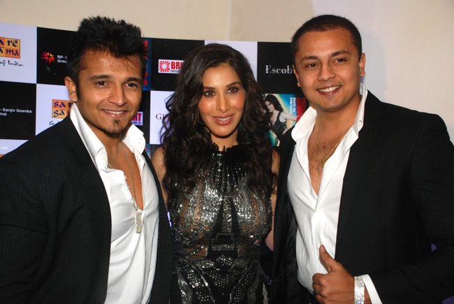 Rushabh and Vardhaman Choksi with Sophie ChoudhryImage Courtesy: Escobar