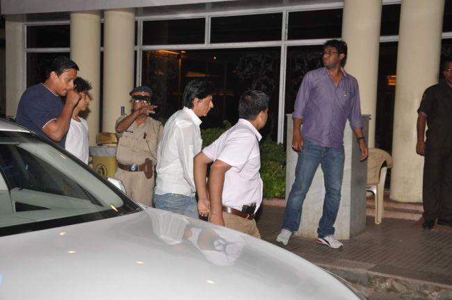 Shah Rukh Khan (Photo: Viral Bhayani)