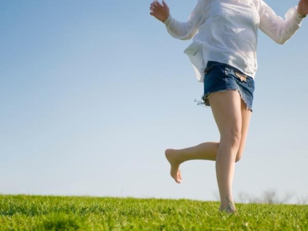 Develops natural stride