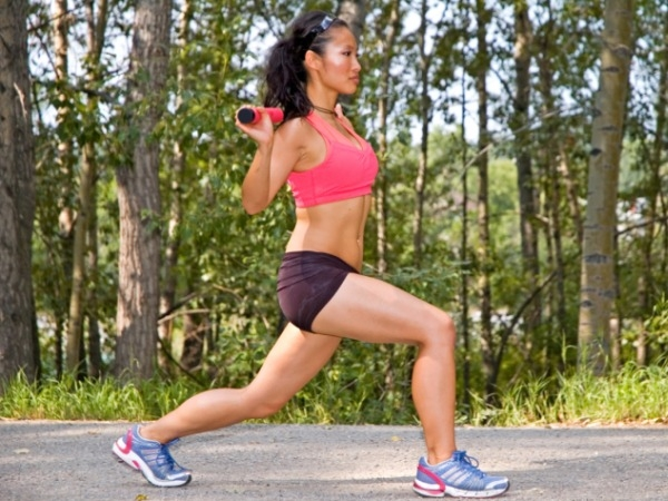 Reverse lunges: