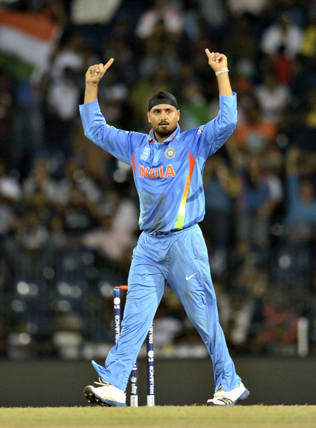 Gets Tim Bresnan (1 run, 8 balls) caught by Gautam Gambhir. (Photo: Reuters)