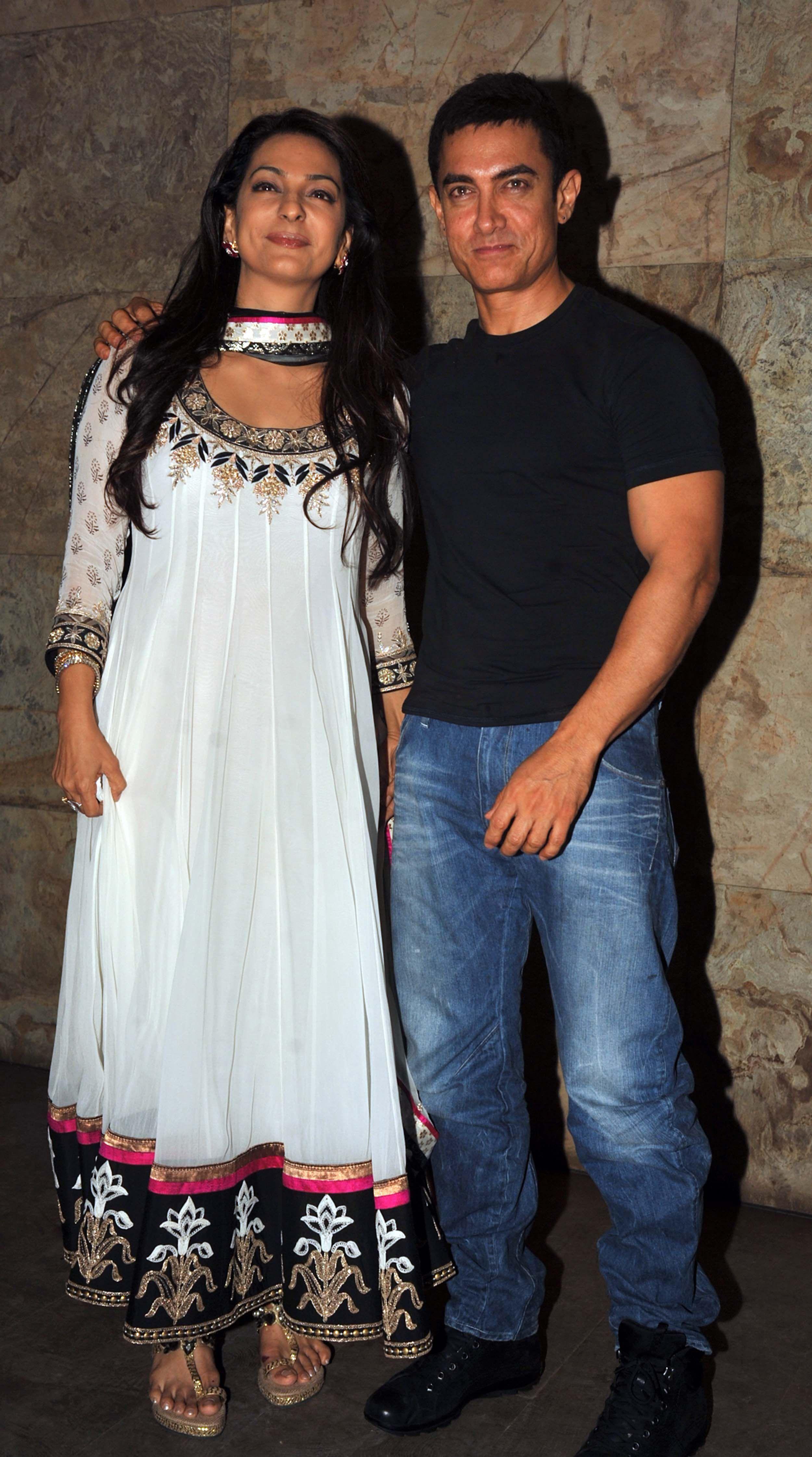 Aamir Khan, Juhi Chawla