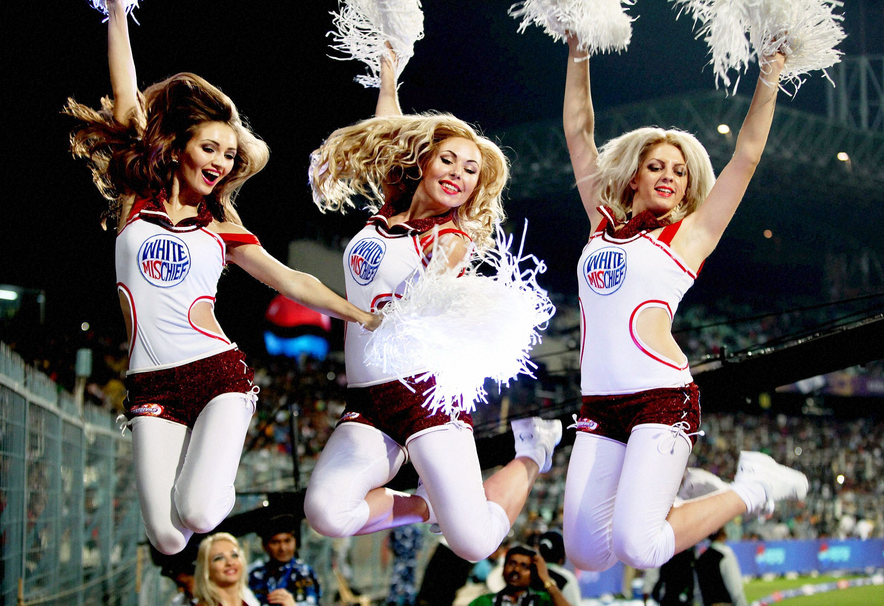 Cheerleaders in Kolkata