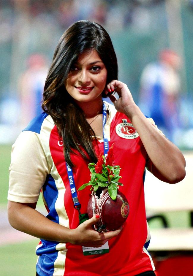 Kannada actress Soundarya Jayamala during the IPL match between Royal Challengers Bangalore and Delhi Daredevils at the Chinnaswamy Stadium in Bengaluru on Tuesday. (Photo: PTI)