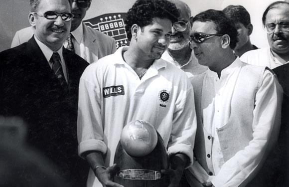 Sachin Tendulkar with Sunil Gavaskar