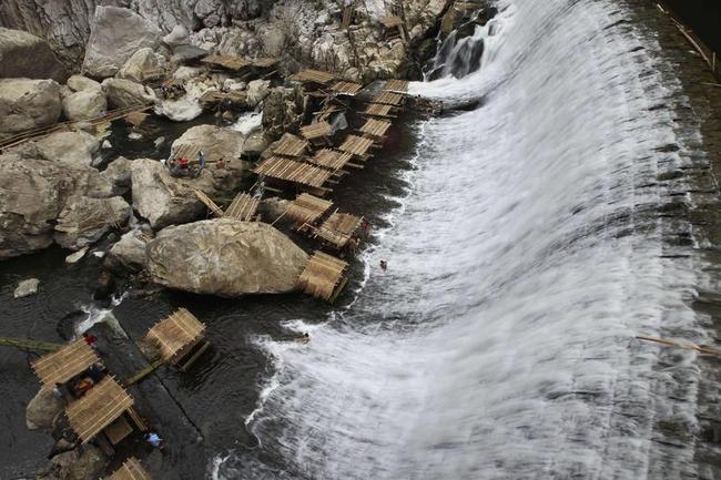 Decommissioned WaWa Dam