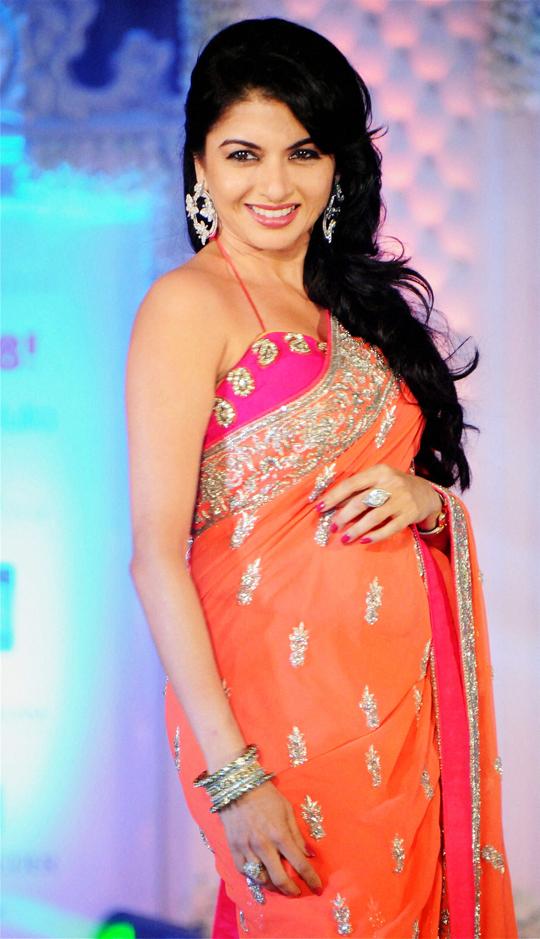Bhagyashree during a fashion show, celebrating 'Shehnaai 2013', in Mumbai, on 29th March.