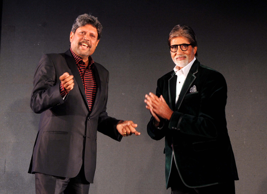Amitabh Bachchan and Kapil Dev