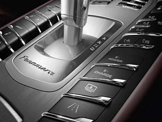 2014 Porsche Panamera Hybrid gear