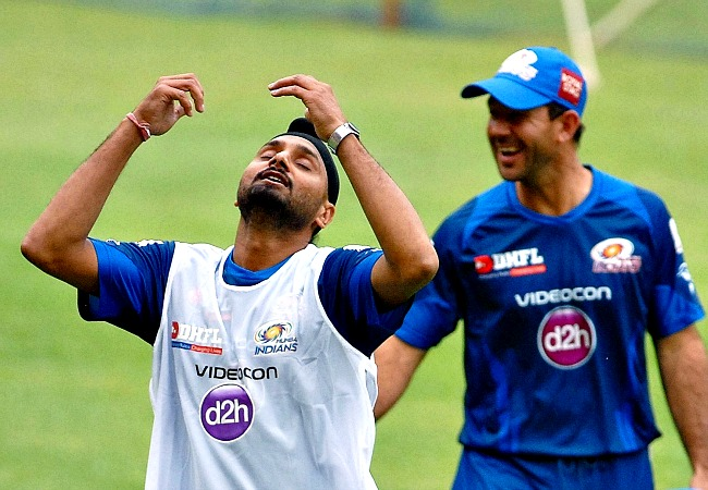 Harbhajan Singh and Ricky Pointing share a light moment during the practice session. (Photo: BCCL)