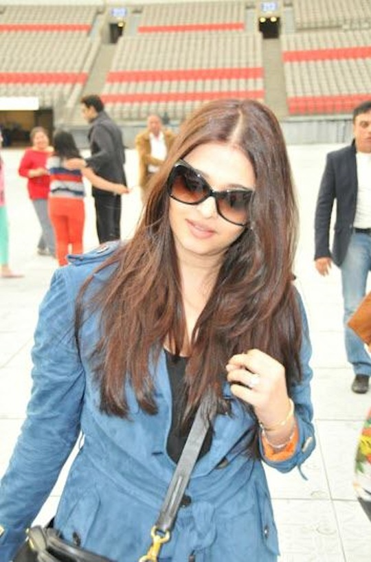 Abhishek, Aishwarya arrive in Toronto for TOIFA