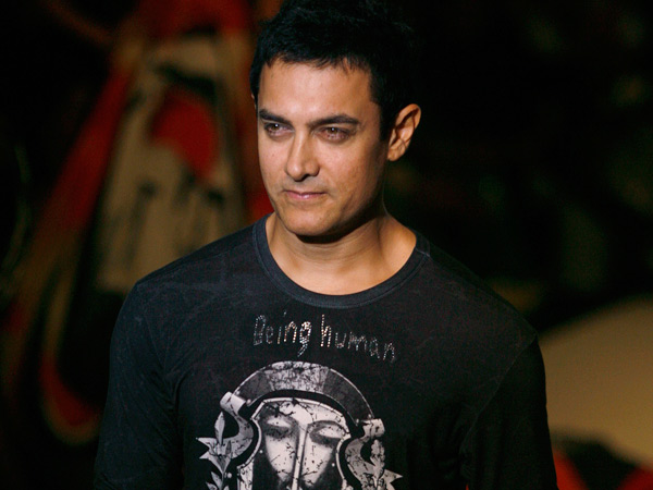 AAMIR KHAN -He rarely takes up more than one project at a time. But this year has been an exception. Handling PK and Dhoom 3 (December 25) has been quite a challenge for the actor, who does not like loose ends. So much so, his friend Sachin Tendulkar recently said that they have not had time to meet up with each other, thanks to their work schedule. And now with Aamir travelling half way round the globe for a three-hour dinner commitment, he certainly seems keen to set a new standard for busy-ness.