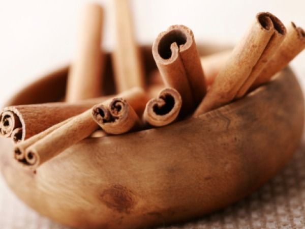 Cinnamon is one of the best weight loss herbs because it helps to stabilise blood sugar level, keeps you full for a longer time, decreases hunger pangs and metabolises fats at a faster rate.