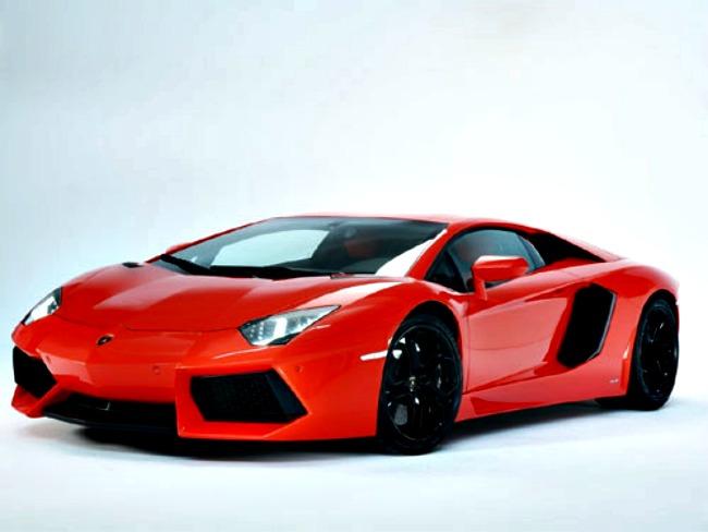 Lamborghini Aventador: INR 3.69 Crore