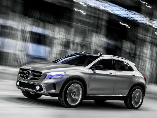 The aggressive 5-door GLA runs on 255/45 R20 wheels
