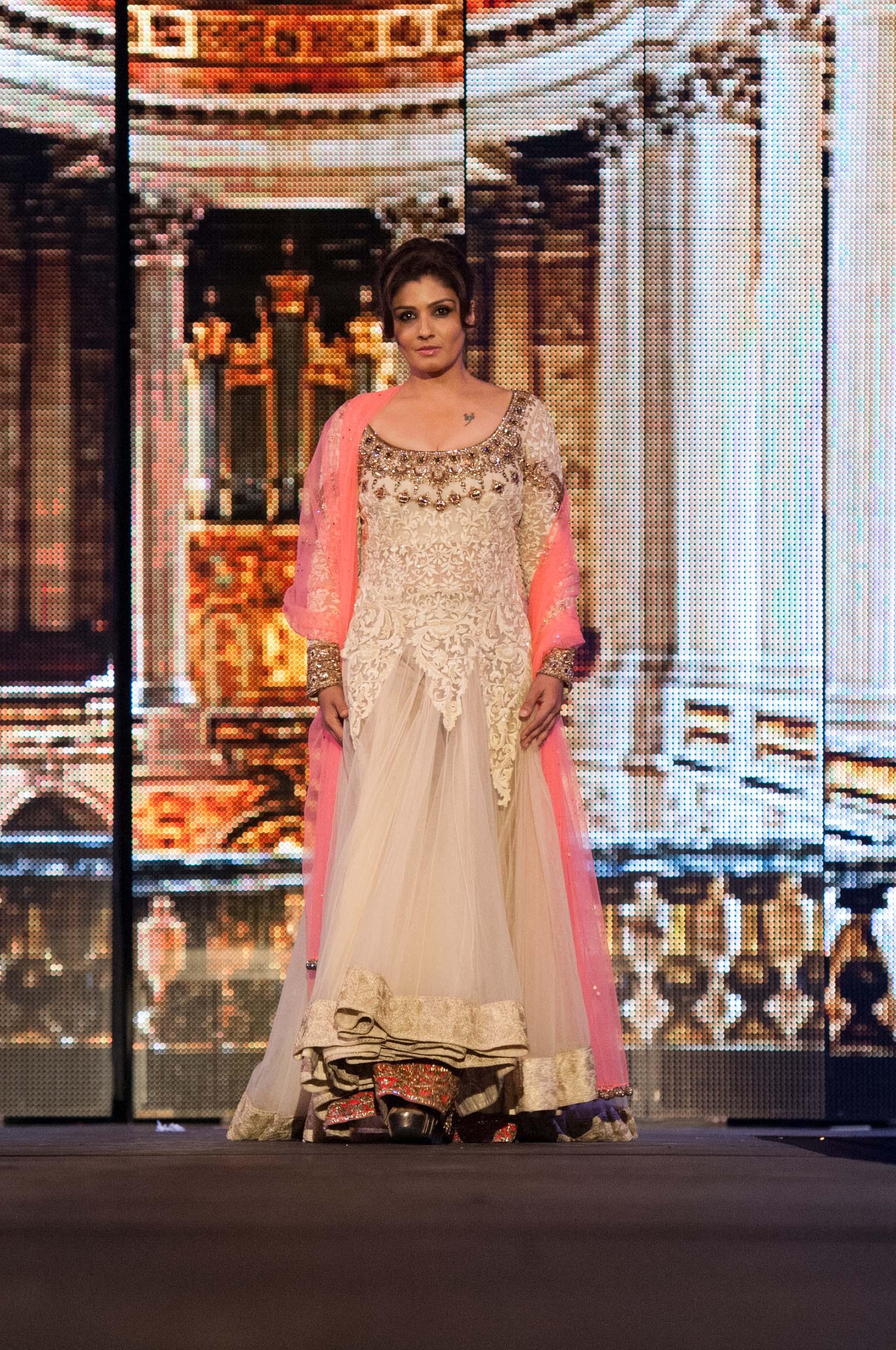 Raveena Tandon Walks For Manish Malhotra