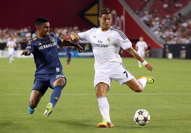 Real Madrid v Los Angeles Galaxy