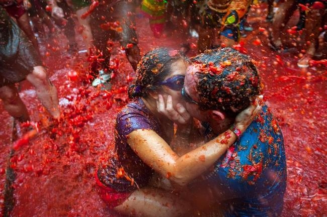 World's Biggest Tomato Fight
