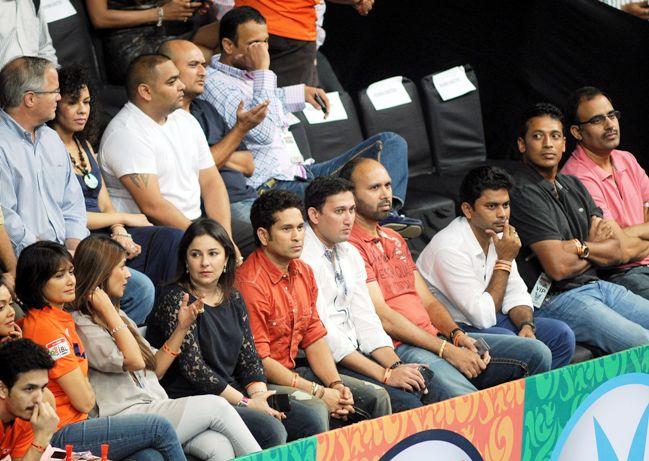 Sachin Tendulkar, Anjali, Ajit Agarkar, Paras Mhambrey and Mahesh Bhupathi