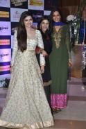 Prachi Desai, Ekta Kapoor, Sonali Bendre at Ekta Kapoor's iftar party