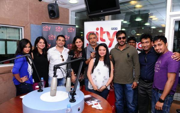 Kareena Kapoor Khan, Prakash Jha, Ajay Devgn