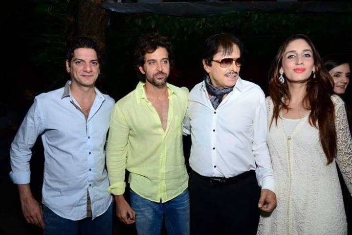 DJ Aqeel, Hrithik, Sanjay, Farah at Zarine Khan